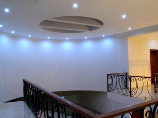 Casa Colomos Excelencia en Diseño Pasillos, vestíbulos y escaleras clásicas