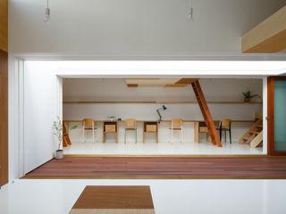 イドコロ ma-style architects ミニマルデザインの 書斎