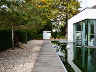 design@garten - Alfred Hart - Design Gartenhaus und Balkonschraenke aus Augsburg Jardin minimaliste Bois composite