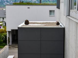 design@garten - Alfred Hart - Design Gartenhaus und Balkonschraenke aus Augsburg Garage / Hangar modernes Bois composite