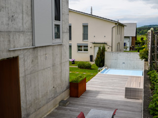 design@garten - Alfred Hart - Design Gartenhaus und Balkonschraenke aus Augsburg Maisons modernes Béton Gris