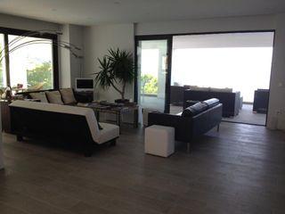 Ivan Torres Architects Ruang Keluarga Modern
