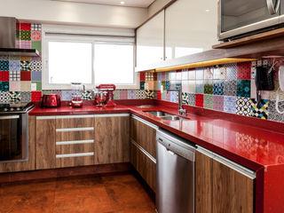 Tikkanen arquitetura Rustieke keukens
