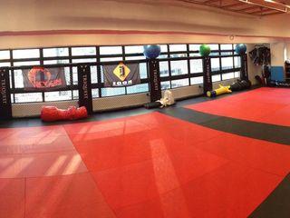 Oui3 International Limited Modern gym