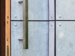 design@garten - Alfred Hart - Design Gartenhaus und Balkonschraenke aus Augsburg Garage / Hangar minimalistes