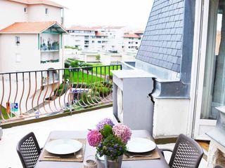 Appartement de vacances - Biarritz Espaces à Rêver Balcon, Veranda & Terrasse classiques