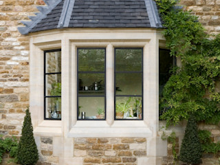Heritage Bronze Casements Architectural Bronze Ltd 窗戶與門門 金屬 Black