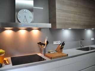 VETZARA 3 S.L. Dapur Modern