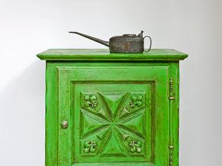 Cabinet painted in Chalk Paint decorative paint by Annie Sloan Annie Sloan CocinaArmarios y estanterías