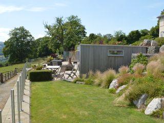 Large Terraced Garden Unique Landscapes 庭院