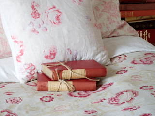Bedroom Cabbages & Roses