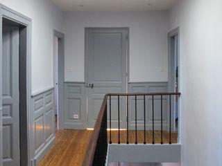 Jean-Paul Magy architecte d'intérieur Classic style corridor, hallway and stairs
