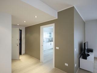 Diego Gnoato Architect Modern Corridor, Hallway and Staircase