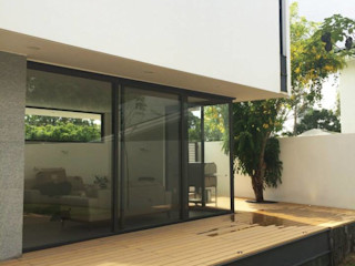 Grupo Boes Balkon, Beranda & Teras Modern