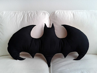 Batman in the jungle Raúl Lázaro SalonesAccesorios y decoración