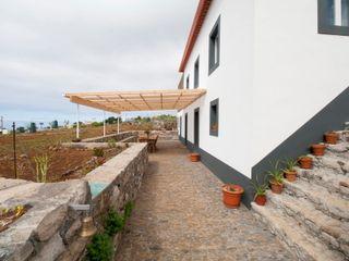 Quinta H | eco-renovation | Madeira Mayer & Selders Arquitectura Тераса