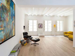 Llibretería ACABADOMATE Casas de estilo moderno