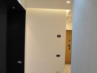 Arch. Andrea Pella Modern corridor, hallway & stairs