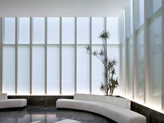 MIKVE RAJEL Pascal Arquitectos Livings modernos: Ideas, imágenes y decoración