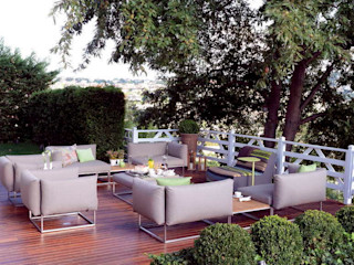 HANDE KOKSAL INTERIORS Modern balcony, veranda & terrace