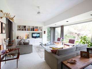 HANDE KOKSAL INTERIORS Industrial style living room