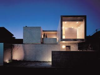 House of Kami 一級建築士事務所アトリエm Maisons modernes Béton armé Gris