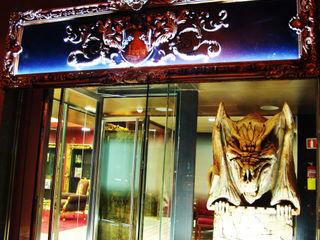 Local Logia Tattoo Barcelona Overstone EstudioAccesorios y decoración