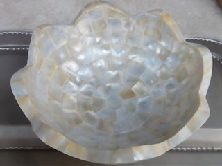 Mother Of Pearl Wash Basin Stonesmiths - Redefining Stoneage Ванна кімнатаРаковини
