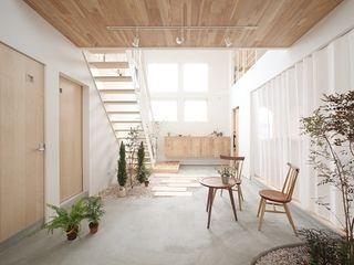 ALTS DESIGN OFFICE Коридор, прихожая и лестница в эклектичном стиле