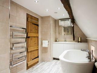Blissful Bathroom Design from Burlanes Interiors Burlanes Interiors BathroomBathtubs & showers