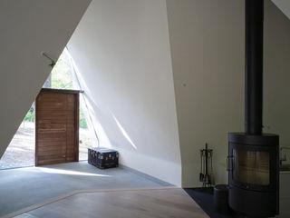 Forest House カスヤアーキテクツオフィス(KAO) غرفة المعيشة