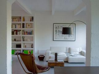 LOFT 19 - PARIS XIX Agence d'architecture Odile Veillon / ARCHI-V.O Living room