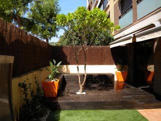 Jardin privado en Viladecans, Barcelona Paisajismo Digital Jardines de estilo moderno