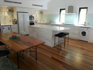 Renovated Kitchen 2012 Molyneux Designs اتاق خواب