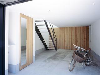 高橋直子建築設計事務所 Minimalist garage/shed