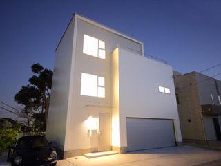 K邸ガレージハウス 一級建築士事務所・スタジオインデックス モダンな 家