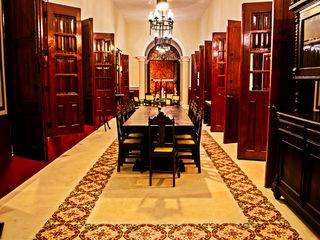 Arturo Campos Arquitectos Sala da pranzo in stile coloniale