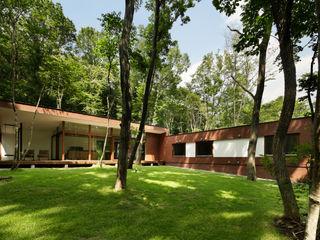 atelier137 ARCHITECTURAL DESIGN OFFICE Scandinavian style garden Bricks Brown