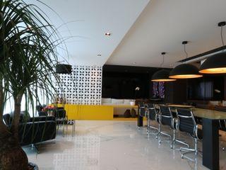 ZAAV Arquitetura Salle à manger minimaliste
