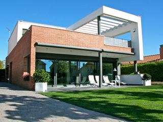 Single family house in Vic FG ARQUITECTES Modern Houses