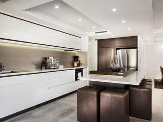 Menora Residence Moda Interiors Cocinas de estilo moderno