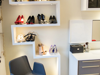 homify Dressing roomStorage