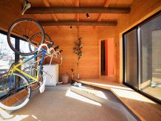 長井建築設計室 Minimalist garage/shed