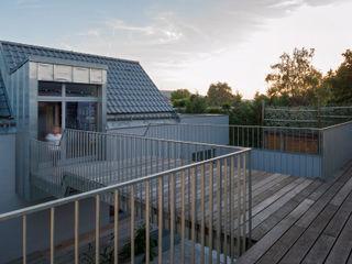 Abendroth Architekten Modern balcony, veranda & terrace