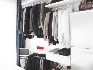 Thibaudeau Architecte Phòng thay đồ phong cách tối giản