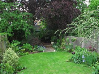 Garden with Oval Lawns Fenton Roberts Garden Design Jardins rústicos