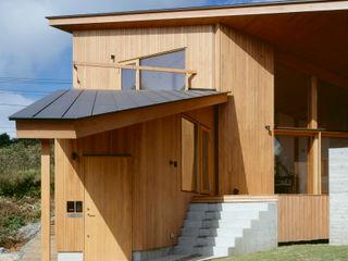 Villa Boomerang 森吉直剛アトリエ/MORIYOSHI NAOTAKE ATELIER ARCHITECTS Casas estilo moderno: ideas, arquitectura e imágenes