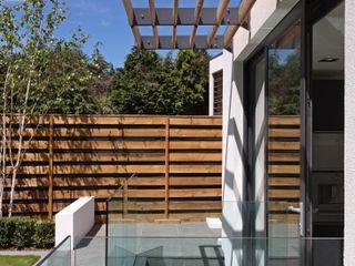 Greystones Tye Architects Modern balcony, veranda & terrace