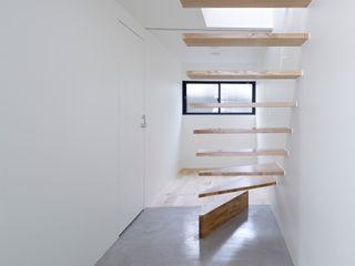 Park House another APARTMENT LTD. / アナザーアパートメント Pasillos, vestíbulos y escaleras de estilo ecléctico