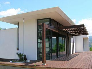 Studio 4 Mediterranean style houses